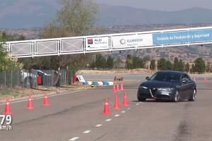 Prueba de esquiva y eslalon del Alfa Romeo Giulia 2016